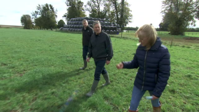 exterior shots of labour leader sir keir starmer on a visit to a wiltshire farm meeting farmers on 8 october 2020 in salisbury, united kingdom - keir starmer stock videos & royalty-free footage