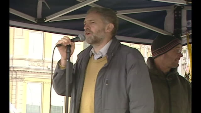 exterior shots of labour mp for islington north jeremy corbyn giving a speech at an anti iraq war protest on 20 march 2004 in london england - archives stock videos & royalty-free footage