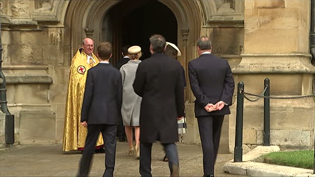 exterior shots of lady sarah chatto and serena lindlay arriving at st george's chapel, windsor, for easter sunday service on april 20, 2014 in... - britisches königshaus stock-videos und b-roll-filmmaterial