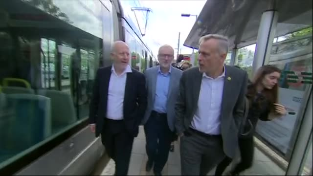 exterior shots of leader of the labour party jeremy corbyn and shadow transport secretary andy mcdonald getting off train on 25th april 2019 in... - jeremy corbyn stock-videos und b-roll-filmmaterial