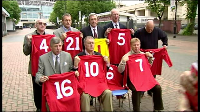 exterior shots of members of the 1966 world cupwinning england football team sir geoff hurst martin peters alan ball nobby stiles jack charlton... - jack charlton stock videos & royalty-free footage
