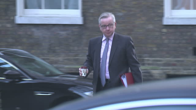 exterior shots of michael gove mp arriving at downing street for a cabinet meeting on 19 december 2017 in london united kingdom - michael gove stock-videos und b-roll-filmmaterial