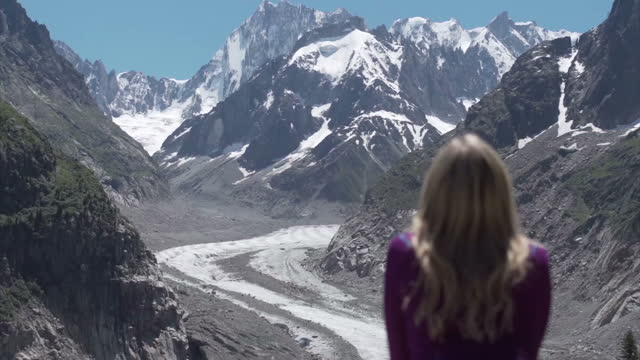 exterior shots of mont blanc's glacier and the wheel house for the cable car on july 23 2016 in chamonixmontblanc france - mont blanc stock videos & royalty-free footage