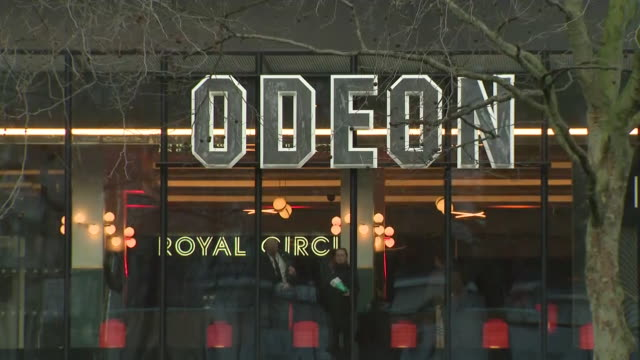 exterior shots of odeon cinema on leicester square on 13 march 2020 in london, united kingdom - odeon cinemas点の映像素材/bロール