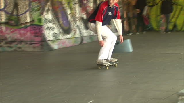 exterior shots of people skateboarding at the southbank undercroft skate park on december 20 2016 in london england - skateboard park stock videos & royalty-free footage