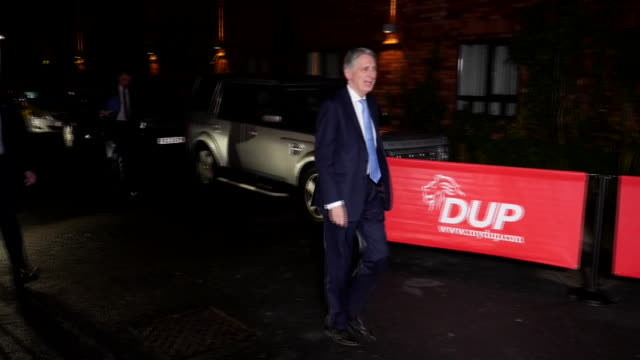 exterior shots of philip hammond mp arriving at dup conference on 23 november 2018 in belfast, northern ireland - dup stock-videos und b-roll-filmmaterial