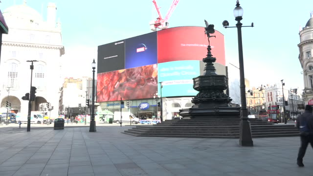 exterior shots of piccadilly circus empty with no tourists during the coronavirus epidemic on 24th march 2020 london united kingdom - no people stock videos & royalty-free footage