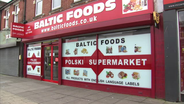 exterior shots of polish hairdressers shops on high street shots of international supermarket eastern european supermarket on december 17 2015 in... - osteuropäische kultur stock-videos und b-roll-filmmaterial