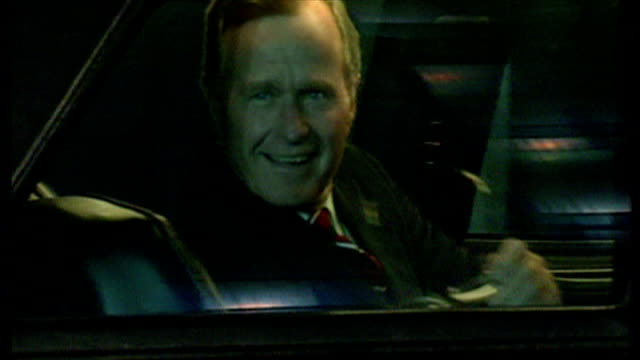 exterior shots of president george bush walking from downing street, bidding goodbye to prime minister john major and departing in car on 16 july... - nato stock-videos und b-roll-filmmaterial