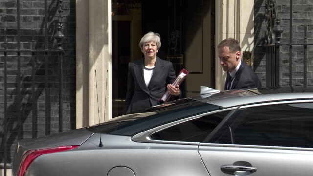 GBR: Theresa May under increasing pressure to stand down