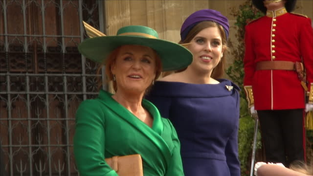 vídeos de stock, filmes e b-roll de exterior shots of prince andrewduke of york sarah ferguson duchess of your princess beatrice of york and thomas brooksbank on the steps of st... - dama de honra