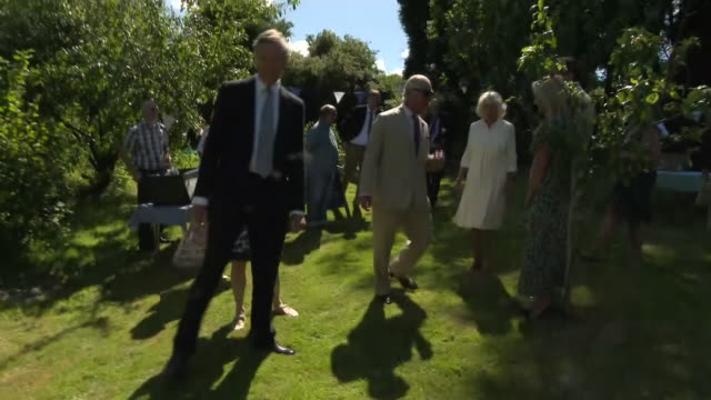 vídeos de stock e filmes b-roll de exterior shots of prince charles and camilla duchess of cornwall at treverbyn community hall in stenalees meeting community groups and inspecting a... - st austell