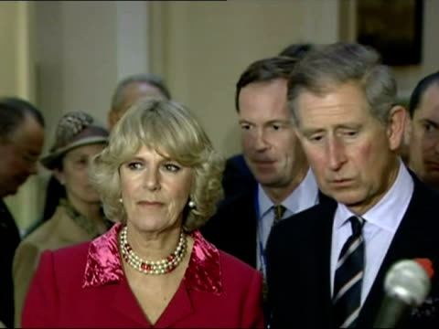 exterior shots of prince charles and camilla laying a wreath at ground zero in tribute to those who died in the 9/11 terror attacks interior shots of... - コーンウォール公爵夫人 カミラ点の映像素材/bロール