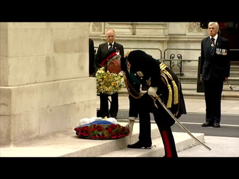 exterior shots of prince charles laying a wreath at the cenotaph during a service to mark the 65th anniversary of victory over japan in world war... - vj演出点の映像素材/bロール