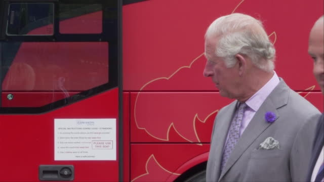 vidéos et rushes de exterior shots of prince charles meeting staff on a visit to edwards coaches on 13 july 2020 in mountain ash, wales, united kingdom - arbre à feuilles caduques