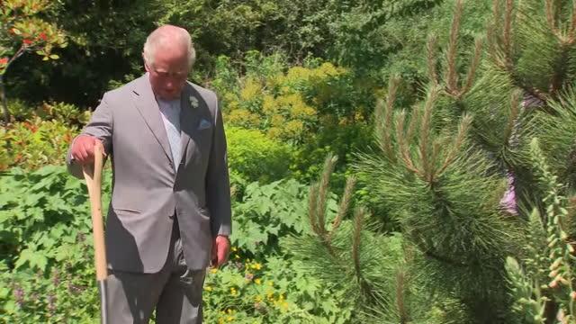 GBR: UK: Prince Charles Visits The Oxford Botanical Garden.
