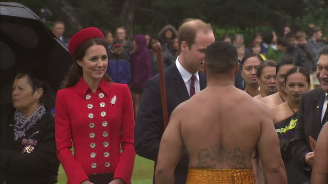 exterior shots of prince william & catherine duke & duchess of cambridge arrive and watch a welcome maori powhiri ceremony on april 7, 2014 in... - māori people stock videos & royalty-free footage