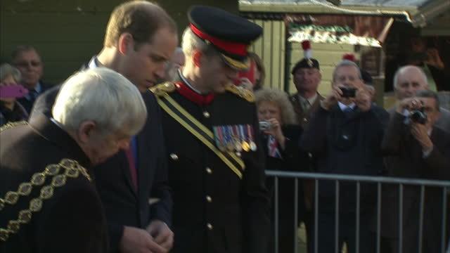 exterior shots of prince william duke of cambridge lord mayor of birmingham raymond hassall bishop of birmingham right revd david urquhart brigadier... - the victoria cross stock-videos und b-roll-filmmaterial