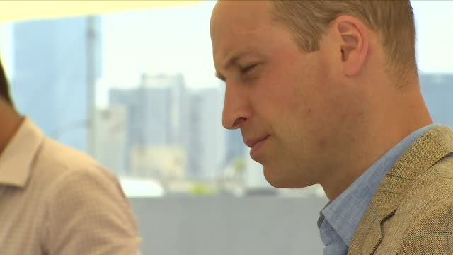 vídeos y material grabado en eventos de stock de exterior shots of prince william meeting people on a rooftop terrace bar and sipping a gin and tonic on a visit to israel on 27 june 2018 in tel aviv... - gin tonic