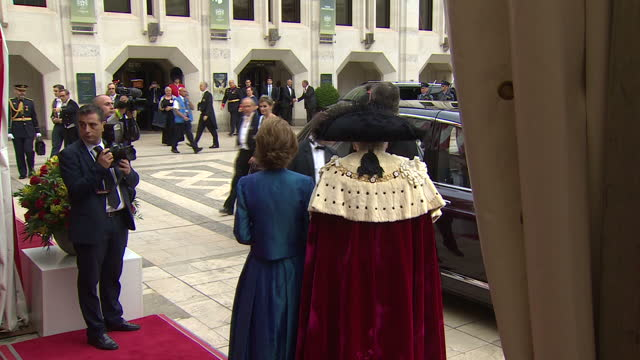 exterior shots of princess anne princess royal and vice admiral sir tim laurence at the lord mayor's banquet at the guildhall greeting king felipe of... - state dinner stock videos and b-roll footage
