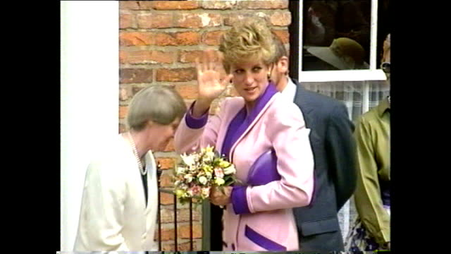 exterior shots of princess diana arriving at relate counselling service on june 24, 1992 in hull, england - princess stock videos & royalty-free footage