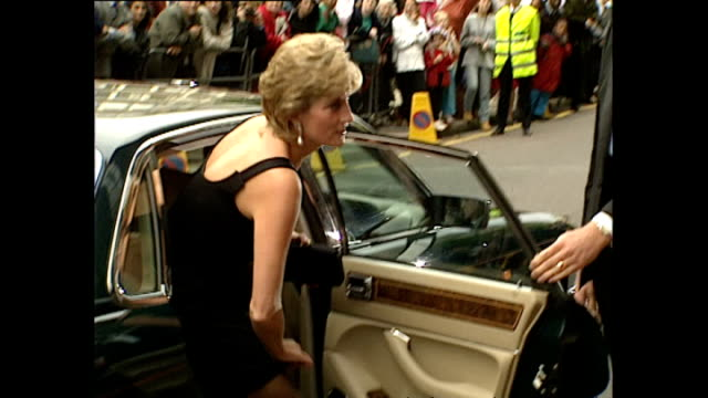 Exterior shots of Princess Diana Princess of Wales arriving at Apollo 13 Premiere on 7 September 1995 Hammersmith England