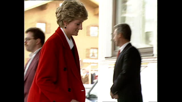 exterior shots of princess diana, princess of wales, arriving in lech for skiing holiday with prince harry and prince william on 23 march 1994 lech,... - ski holiday stock videos & royalty-free footage