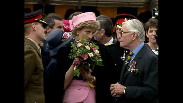 exterior shots of princess diana princess of wales at howe baracks to present colours to the 2nd battalion of the princess of wales regiment on 20... - カンタベリー点の映像素材/bロール