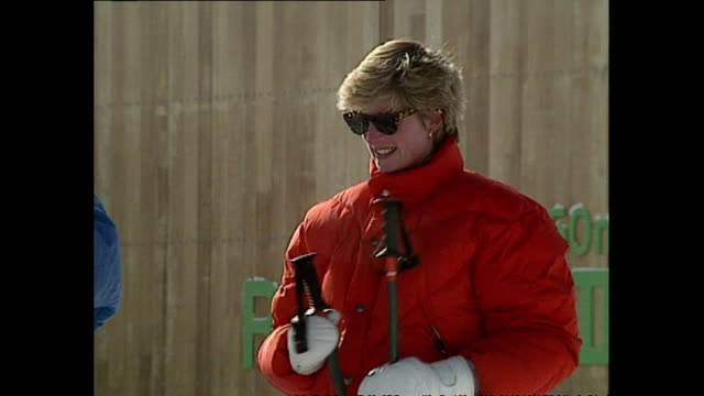 exterior shots of princess diana princess of wales skiing with prince william prince harry and friends whilst on holiday on 28 march 1993 lech austria - 1993 stock videos & royalty-free footage