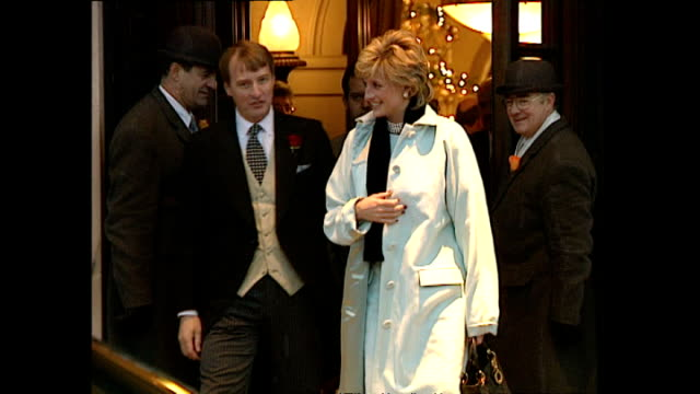 exterior shots of princess diana walking from the lanesborough hotel after a staff christmas party, waving to crowds on 14 december 1995 in london,... - princess stock videos & royalty-free footage