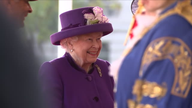 exterior shots of queen elizabeth ii arriving for the ceremonial welcome at horse guards parade for king willemalexander of the netherlands and queen... - horse guards parade stock videos and b-roll footage