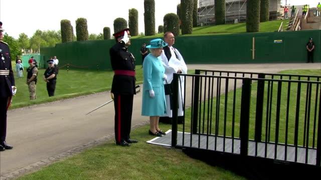 exterior shots of queen elizabeth ii arriving for the duke of lancaster regimental memorial. at the national memorial arboretum on may 17, 2016 in... - national memorial arboretum stock videos & royalty-free footage