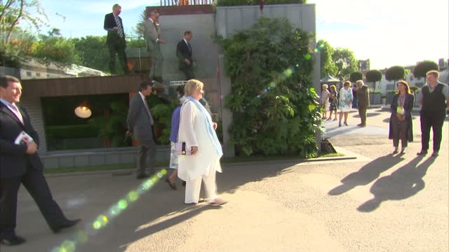 exterior shots of queen elizabeth ii visiting the chelsea flower show on 22nd may 2017 london england - chelsea flower show stock videos & royalty-free footage