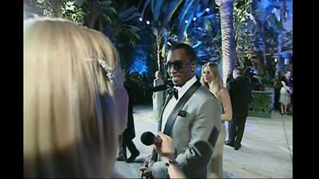 exterior shots of rapper p diddy arriving at vanity fair party after the oscars on 25 february 2007 in hollywood, california. - oscar party stock videos & royalty-free footage