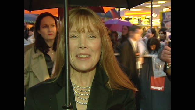 exterior shots of red carpet bafta arrivals at odeon leicester square on 24 february 2002 in london, united kingdom - sissy spacek stock videos & royalty-free footage