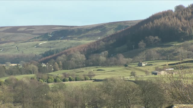 exterior shots of reeth village showing a beautiful landscape including shots of rolling hills and scenery on 19th march 2018 in reeth richmondshire... - landscape scenery点の映像素材/bロール