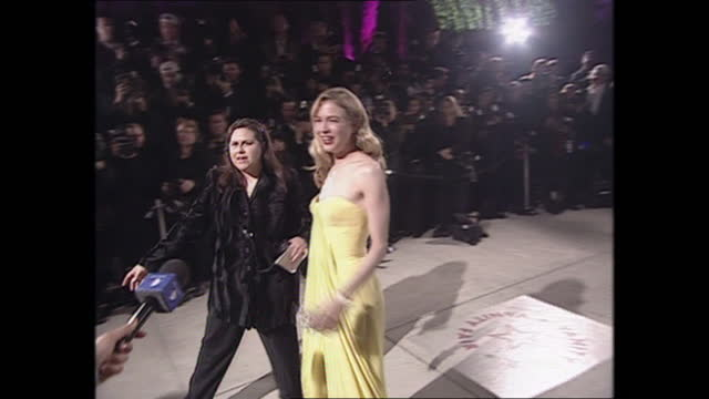 exterior shots of renée zellweger on the oscars vanity fair party red carpet on 26th march 2001 in los angeles, california, united states. - vanity fair stock videos & royalty-free footage