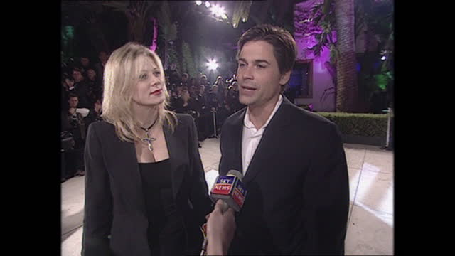exterior shots of rob lowe being interviewed on the oscars vanity fair party red carpet on 26th march 2001 in los angeles, california, united states. - vanity fair stock videos & royalty-free footage