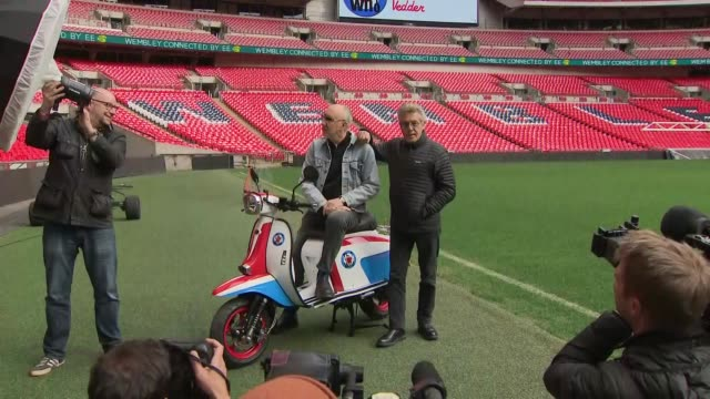 exterior shots of roger daltrey and pete townshend posting for photos on the pitch of wembley stadium announcing a new tour on 17 march 2019 in... - roger daltrey stock videos & royalty-free footage