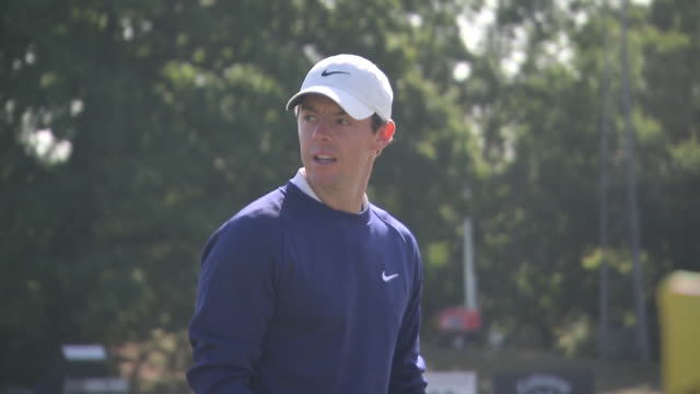 exterior shots of rory mcilroy of northern ireland practice session at wentworth golf course on 18th september 2019 in surrey, england. - pgaイベント点の映像素材/bロール