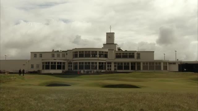 vídeos de stock e filmes b-roll de exterior shots of royal birkdale course landscape on 24 april 2017 southport merseyside england - southport merseyside