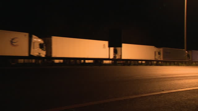 exterior shots of signs warning of 'french border closed' , road closures and queues of lorries on the motorway on the 21st december 2020 in dover,... - major road stock videos & royalty-free footage