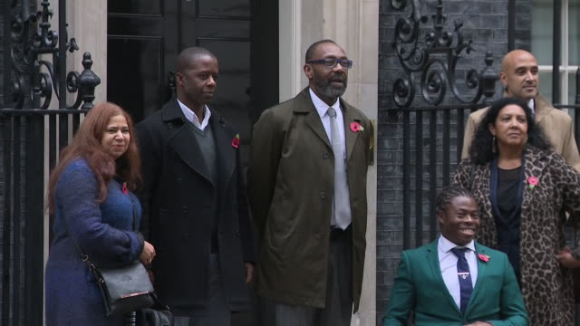 vídeos de stock e filmes b-roll de exterior shots of sir lenny henry arriving with group at 10 downing street to petition for tax relief to boost diversity in film and tv on 6th... - lenny henry