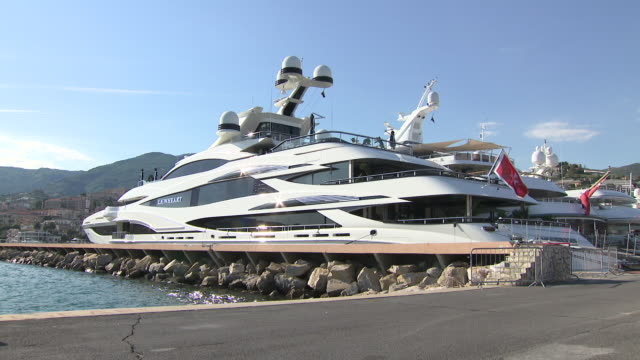 exterior shots of sir philip green's luxury yacht lionheart moored on 5 june 2019 in san remo italy - barca da diporto video stock e b–roll