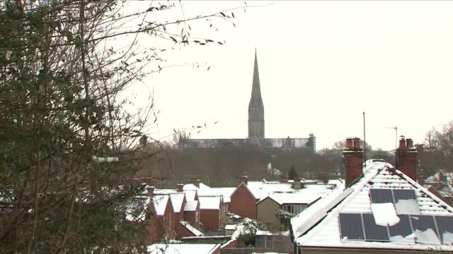 stockvideo's en b-roll-footage met exterior shots of snow in salisbury on 18th march 2018 in salisbury united kingdom - wiltshire
