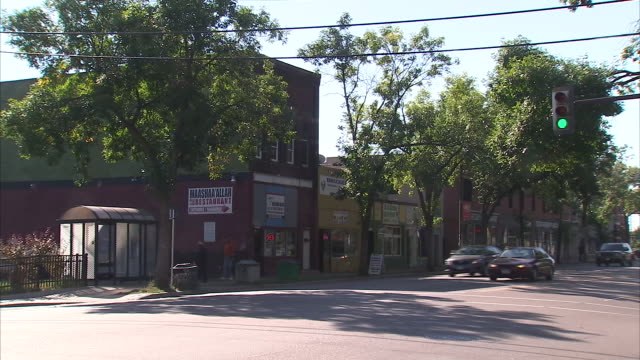exterior shots of somali community businesses including restaurants and shops on 24 march 2017 in minneapolis united states - ソマリア点の映像素材/bロール