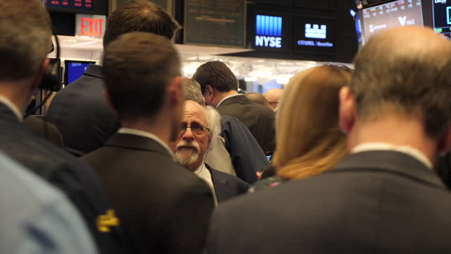 exterior shots of stock brokers on the new york stock exchange floor when uber went public on the new york stock exchange on 10 may 2019 in new york,... - market stock videos & royalty-free footage
