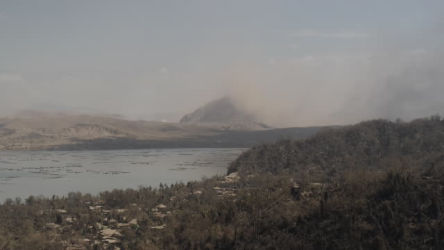 exterior shots of taal volcano spewing smoke on 16 january 2020 in laurel in batangas province philippines - taal volcano stock videos & royalty-free footage