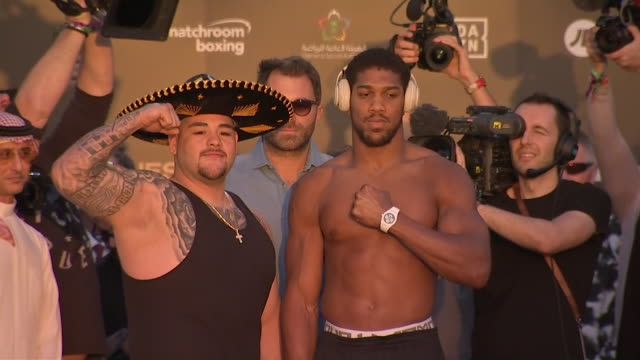 exterior shots of the andy ruiz jr anthony joshua weigh in for their title fight on the 7th december 2019 - world title stock videos & royalty-free footage