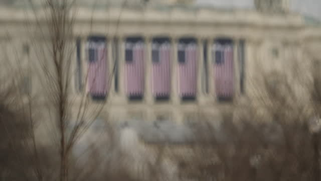 exterior shots of the capitol building and security fencing ahead of joe biden's inauguration on 15 january 2021 in washington dc, united states - 大統領就任式点の映像素材/bロール